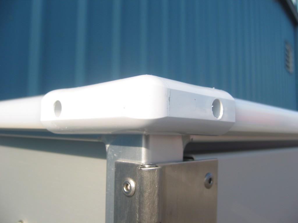 Wrap around bumper (Corner detail)