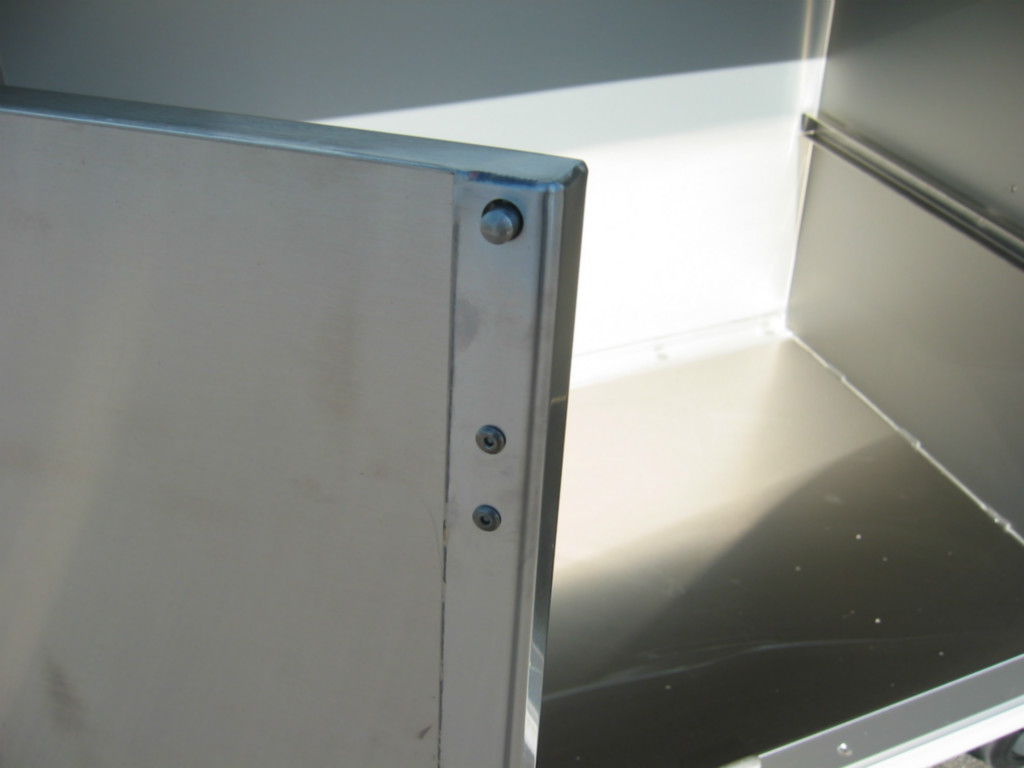 Shelf locking mechanism