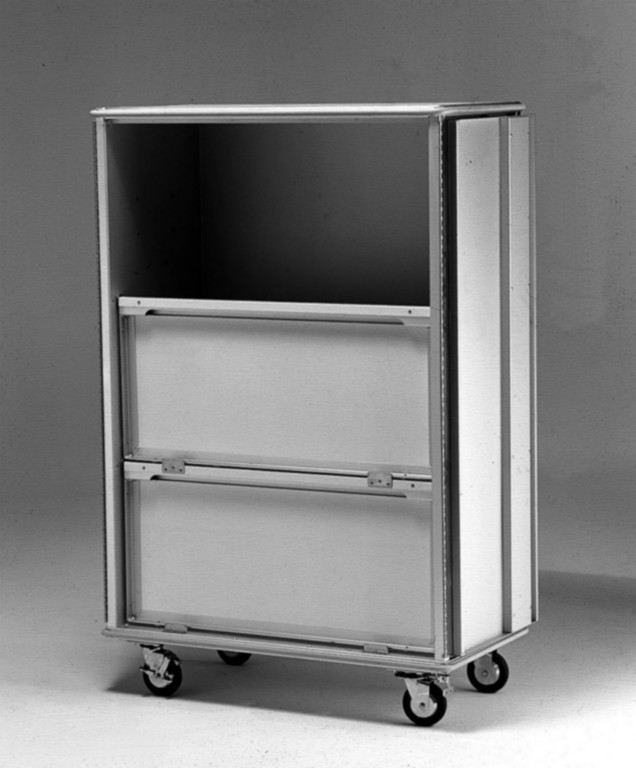Convertible shelves in